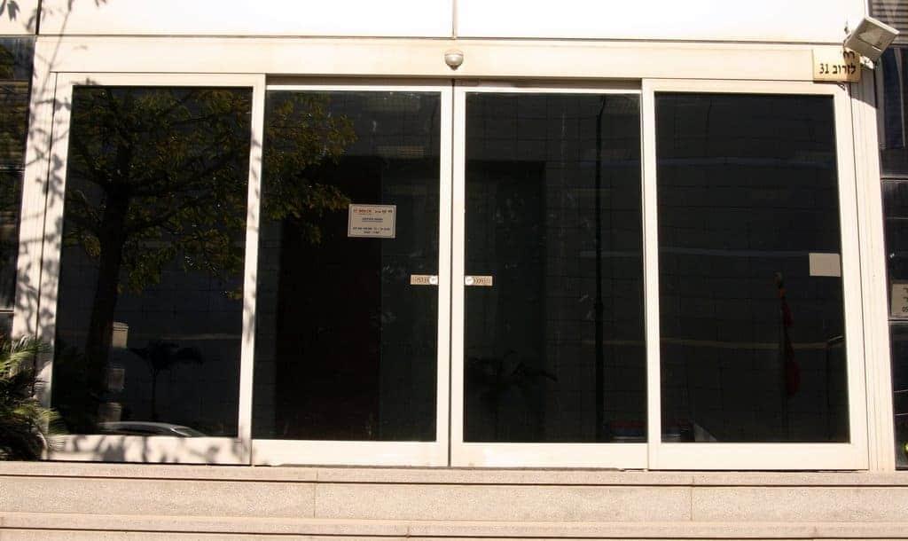דלת אוטומטית בהלה