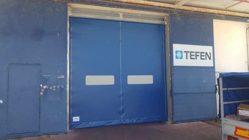 דלת מהירה מ-PVC