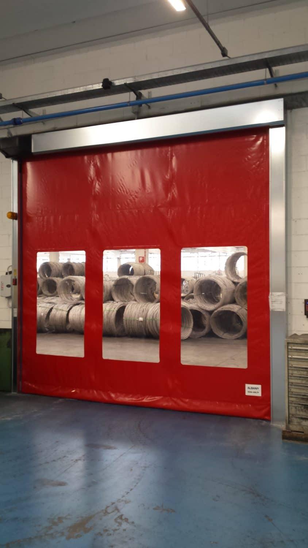 דלת מהירה מ- PVC